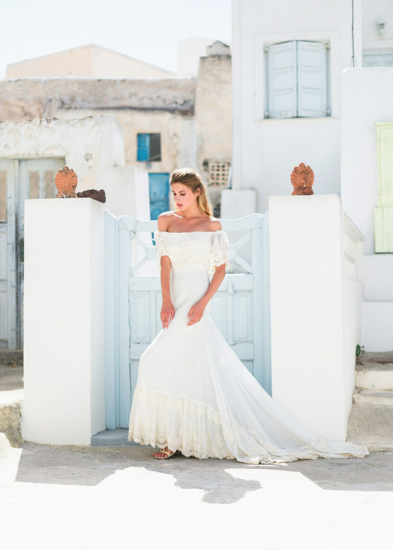 23-portrait2-santorini-wedding-photographer-greece-b-v